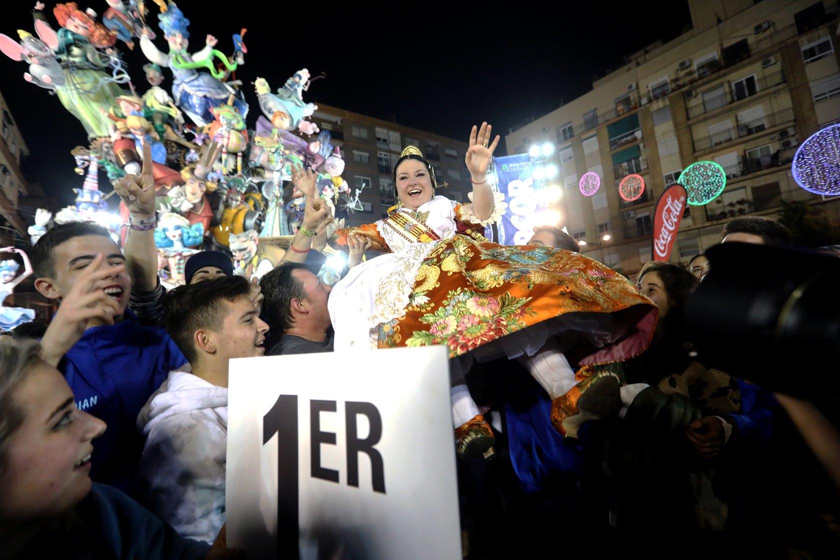 L'Antiga de Campanar guanya l'or de les Falles de València