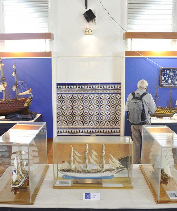 Conferències i maquetes de vaixells per a celebrar 150 anys del port en Escala a Castel